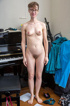 Small breasted adult amateurs nudes