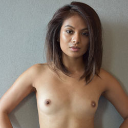Girl small tits nude