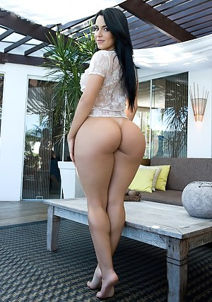 Hot sexy girls with nude phat ass