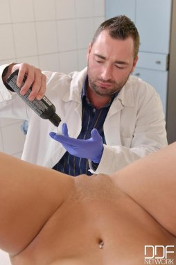 Free pussy on pussy nurse pictures