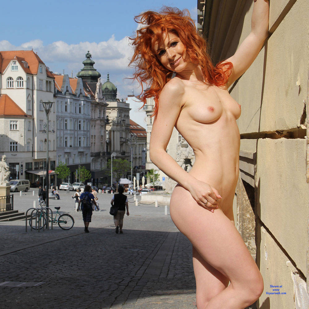 Nude naked flash on the street