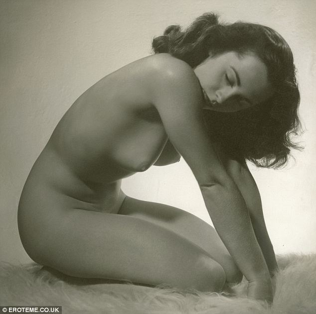 Nude pictures of liz taylor